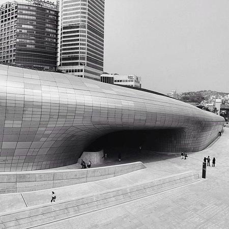 Dongdaemun History & Culture Park: The main event