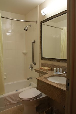 Sleep Inn - Long Island City : 3 Vista del baño