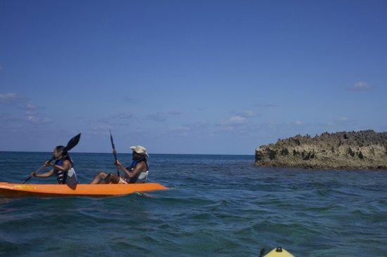 Paradise Cove Beach Resort: Kayaking