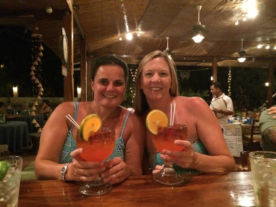 Hotel Bula Bula: The Alabama Girls