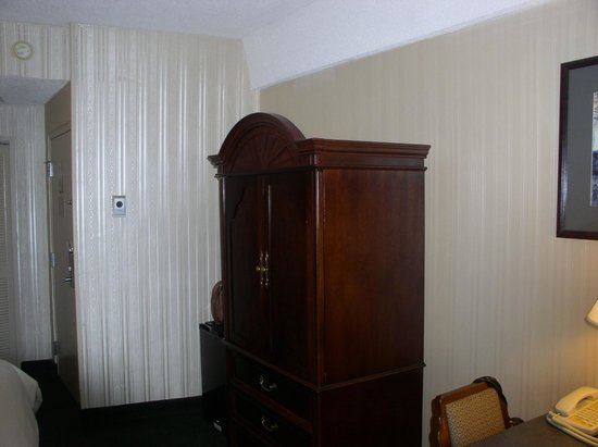 Hillside Inn: The room