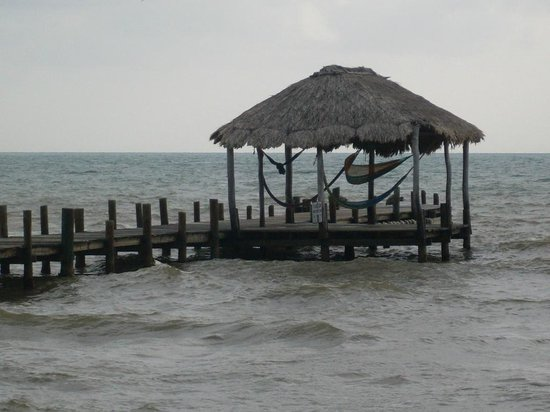 Pelican Beach - Dangriga: End of pier