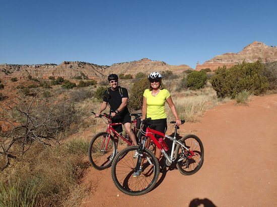 Palo Duro Canyon State Park : Biking the Light House rock trail