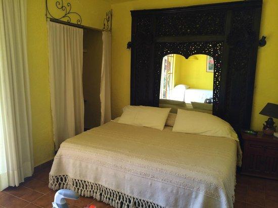 Your Host Inn Cuernavaca: Comfortable Bed