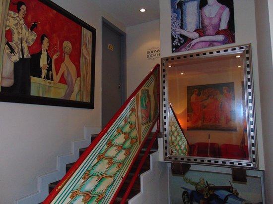 Harrison Hotel: arte en la recepion