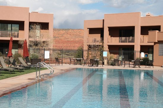 Red Mountain Resort: Pool and Villas
