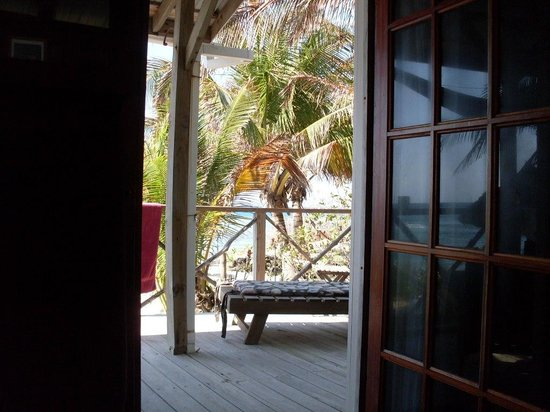 Off The Wall Dive Center & Resort: View from bedroom