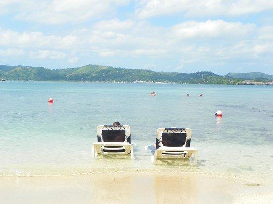 Grand Palladium Lady Hamilton Resort & Spa: Plage Coral Beach