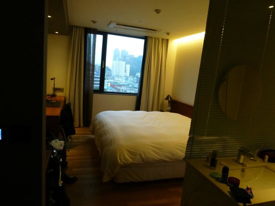 Hotel ShinShin: room