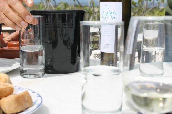 Santorini Wine Tour: April 7