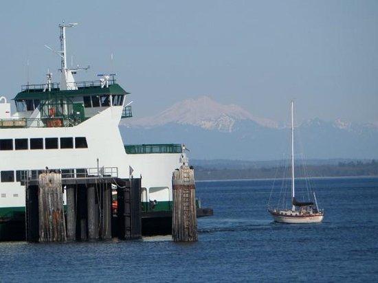 Tides Inn: Ferry dock Port Townsend