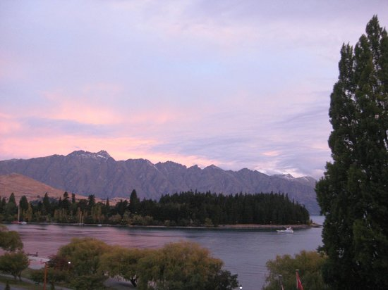 Rydges Lakeland Resort Hotel Queenstown: View of Remarkles from room