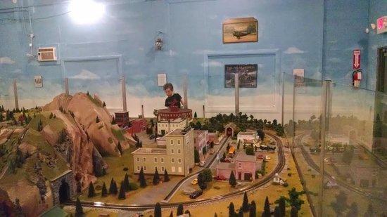 Roads and Rails Museum : Train set