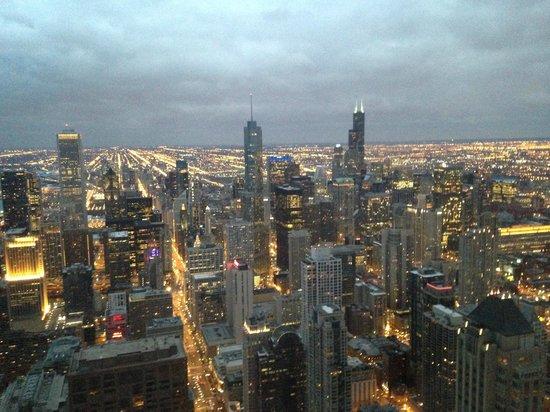 Signature Lounge : Twilight in Chicago