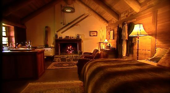 Moonbah Hut: Inside Moonbah River Hut