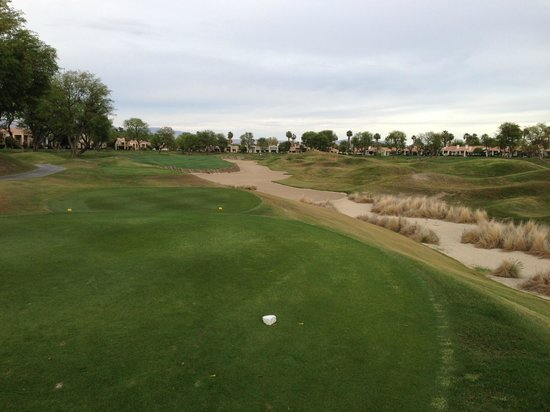 PGA West TPC Stadium Golf Course: Lots of sand and uneven lies await golfers on the Stadium Course
