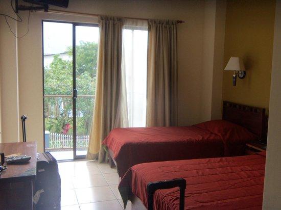 Hotel La Fortuna: habitacion