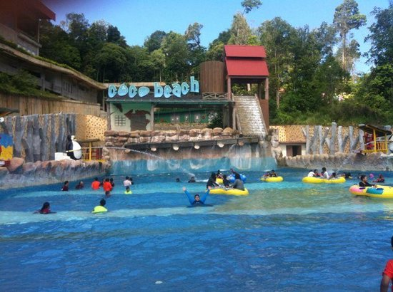 Bukit Gambang Resort City: Beach pool in the Themepark