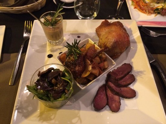 Le Cottage: The Duck, many ways, all excellent!