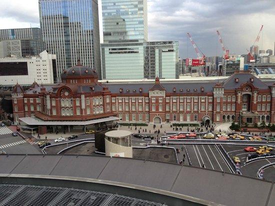 Shin-marunouchi Building: 7階からの東京駅