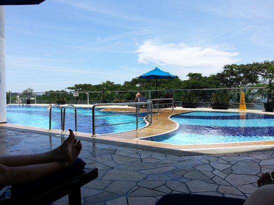 Le Meridien Kota Kinabalu: l-r: whirlpool, adult pool, kiddie pool