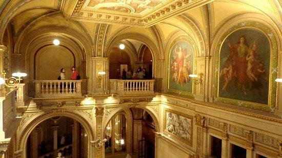 State Opera House : Escadaria