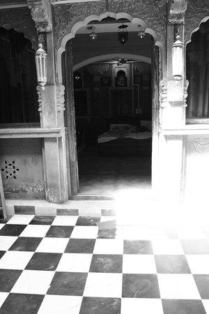 Gouri Heritage Haveli: Room
