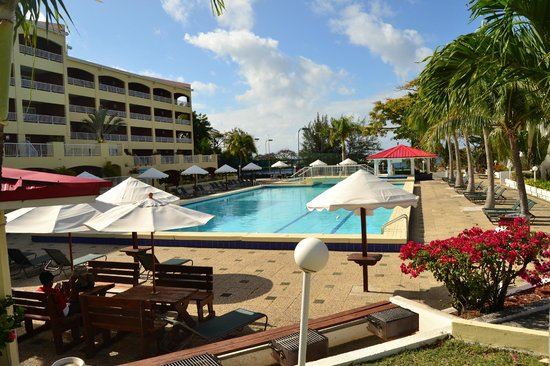Simpson Bay Resort & Marina : Pool closest to B-units