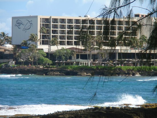 Turtle Bay Resort: A view of the Resort from one of the trails.