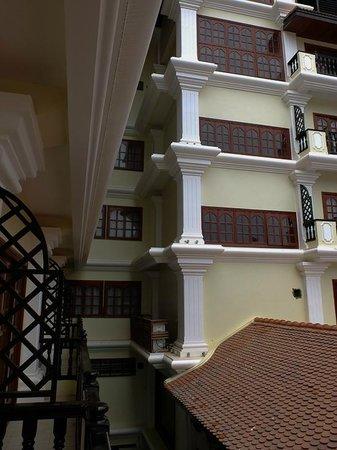 Regency Angkor Hotel: balcony area