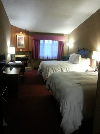 Best Western University Inn : Clean, spacious room!
