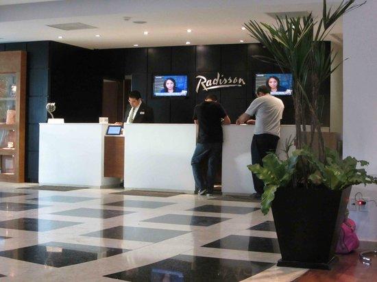 Radisson Poliforum Plaza Hotel Leon: Recepción