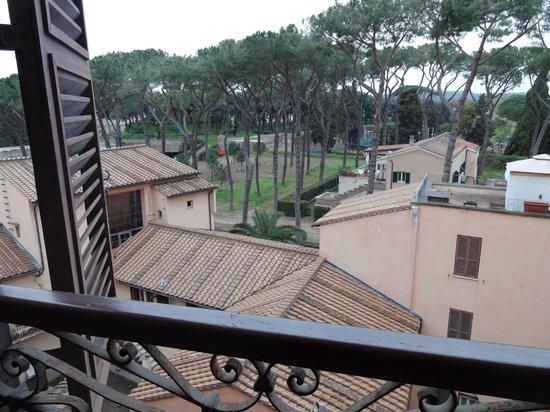 Sofitel Rome Villa Borghese: neighboring rooftops