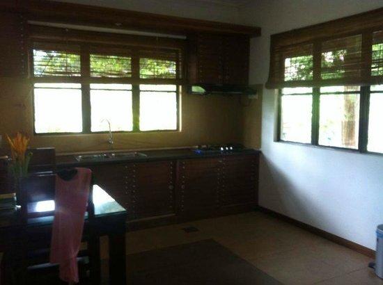 Felda Residence Hot Springs: Kitchen
