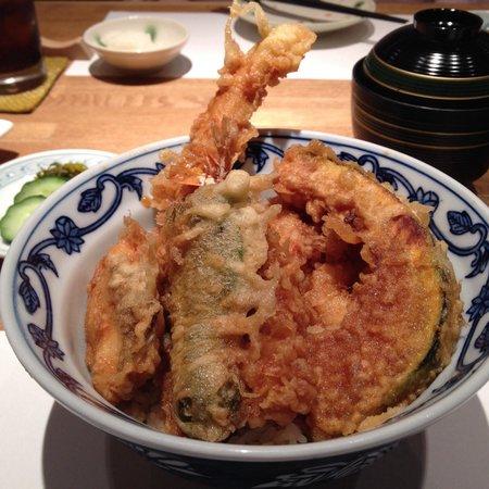 Shinjuku Tsunahachi Sohonten: Bottom right lunch menu option for 1,728¥. Edo style tempura meaning thicker batter with sauce o