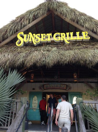 Sunset Grille and Raw Bar : Enterance