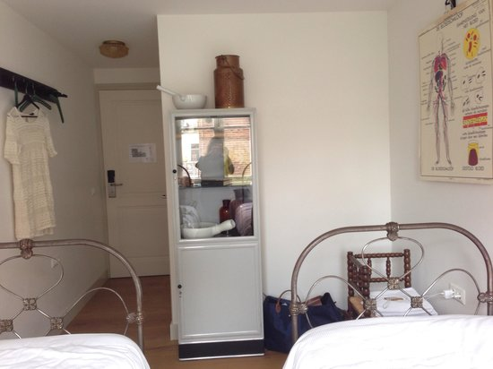 Hello I'm Local Boutique Hostel: Van der Pigge room