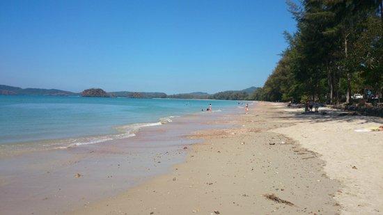 Noppharathara Beach: Пляж