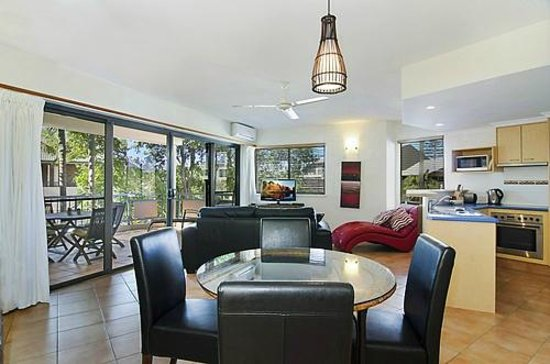 Byron Quarter Holiday Apartments : 1 Bedroom Superior living