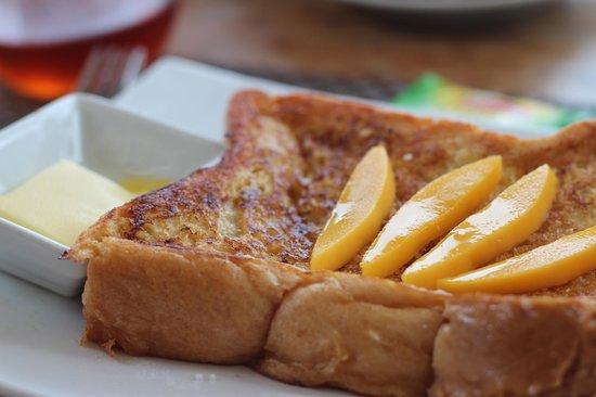 Boracay Beach Club: French toast