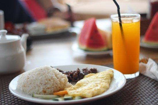 Boracay Beach Club: Beef n rice
