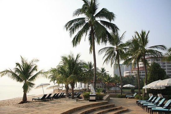 Dusit Thani Hua Hin : Lovely private beach