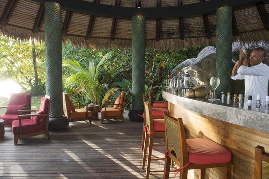 MAIA Luxury Resort & Spa : Sunset pool bar