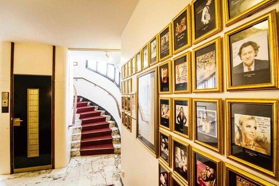 Mayfair Hotel Tunneln: Stairs