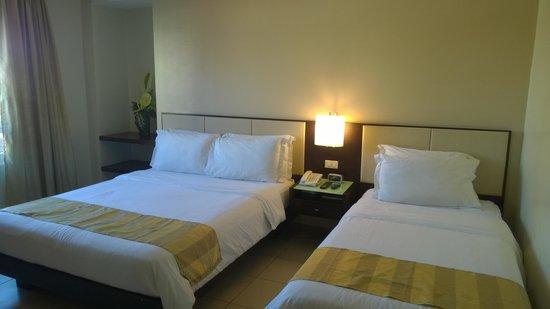 Circle Inn - Iloilo City Center: Наш 302 номер