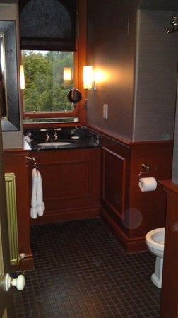 Hotel du Vin at One Devonshire Gardens: Bathroom finished to an excellent standard.