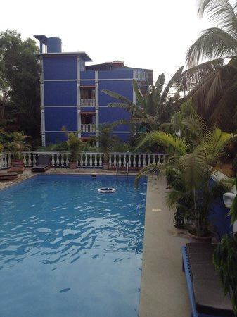 Mayflower Beach Resort: Вид из ресторана на бассейн