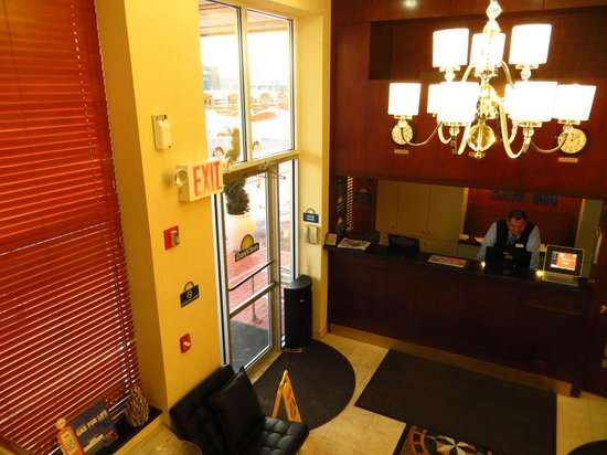 Days Inn Jamaica - Jfk Airport: Entrance
