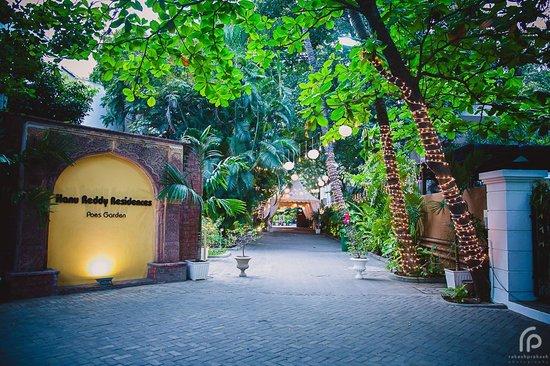 Hanu Reddy Residences Poes Garden : getlstd_property_photo
