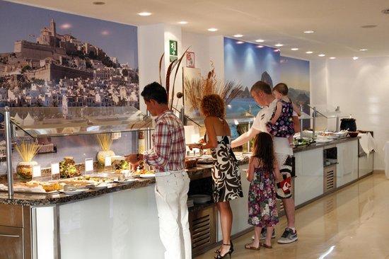 azuLine Hotel Atlantic: Buffet